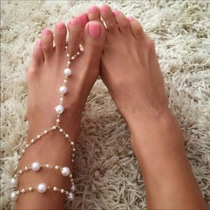 Jewelry - Pair of Barefoot pearl sandals